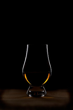 PIPES & DRAMS – A Whisky Tasting Experience